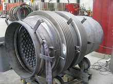 Typical reactor riser expansion joint
